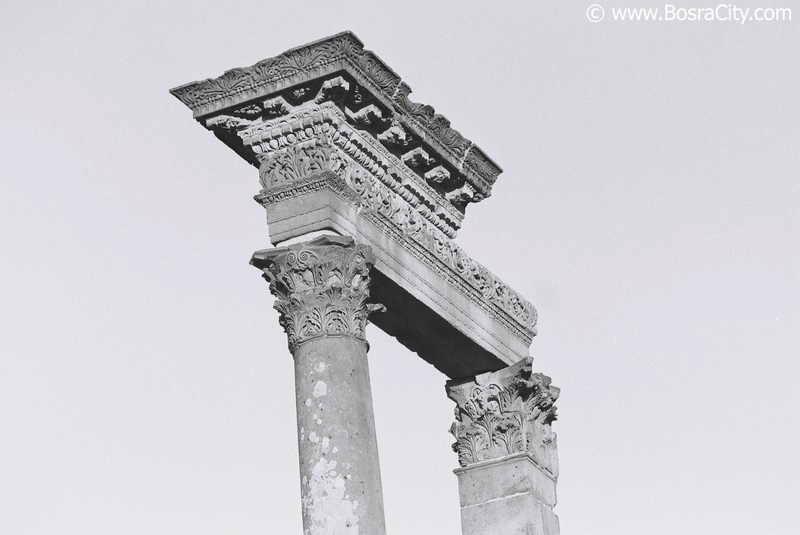 السياحة في مدينة بصرى الشام 003.JPG